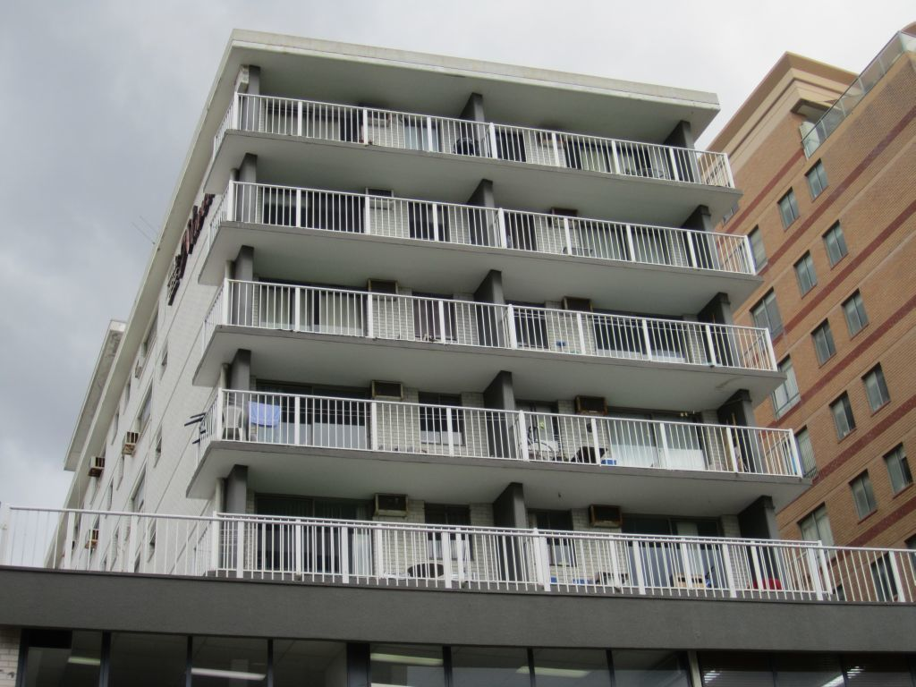 IMMACULATE UNFURNISHED STUDIO RIGHT IN THE HEART OF BONDI JUNCTION!