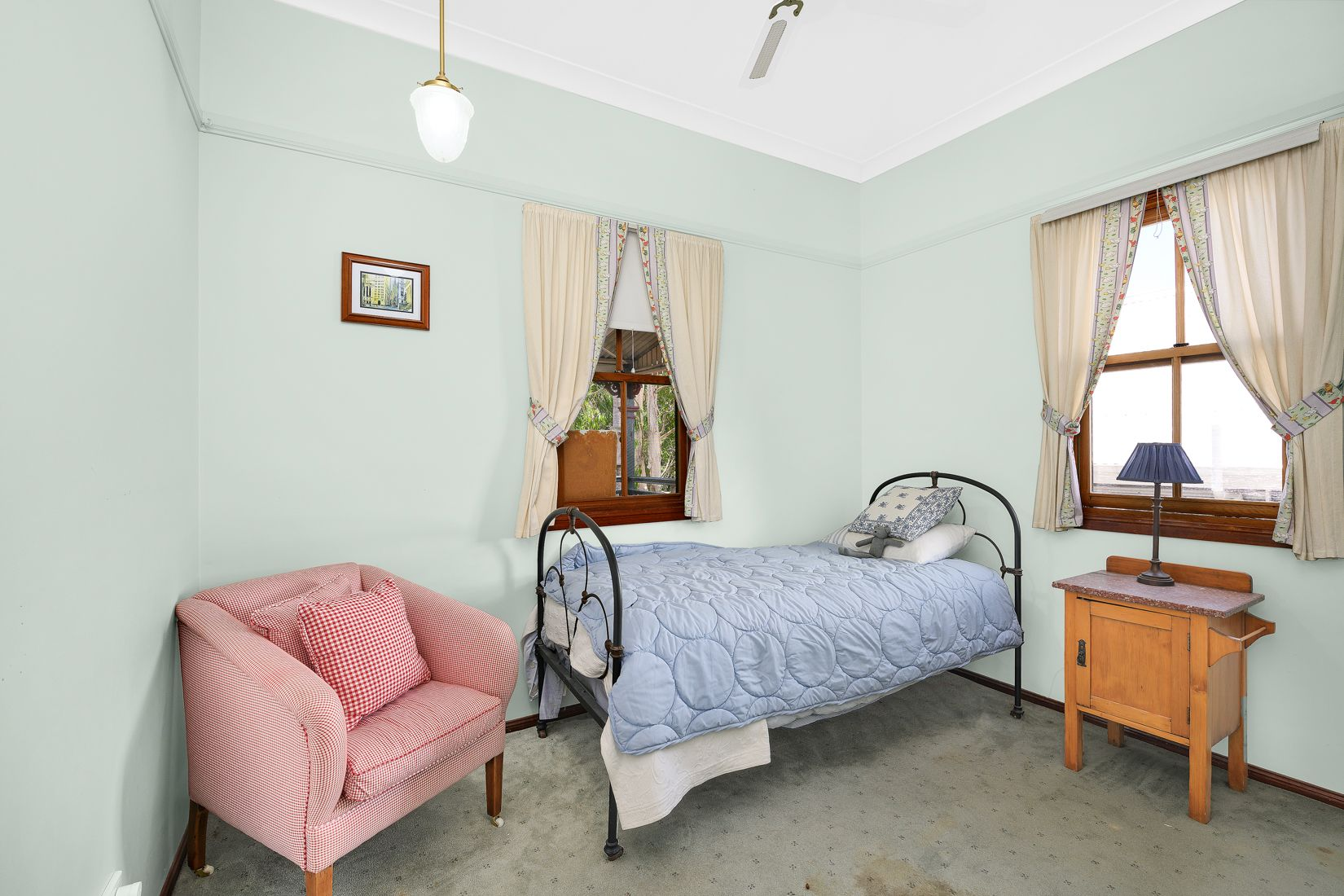 63 Disraeli Street Indooroopilly 4068