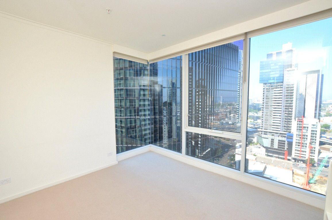 Vue Grand: 23rd Floor - Fresh and Bright Two Bedroom Apartment with Study!