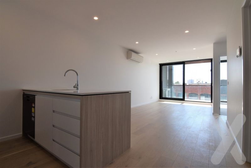 Perfect Location - Two Bedroom Apartment In Richmond