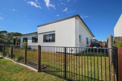 Stylish Home Opposite Bush! - SORRY I'M RENTED!