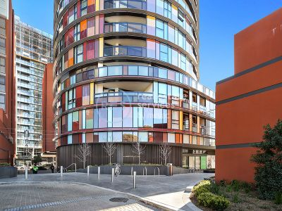 Modern 2-Bedroom Apartment with Parking in 'Ovo', Zetland
