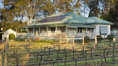 Rare Vineyard Outlook within Prestigious Kelman Estate