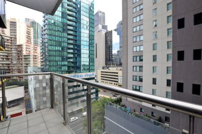 Melbourne Tower: Two Bedroom Apartment with Impressive Wardrobe Space!