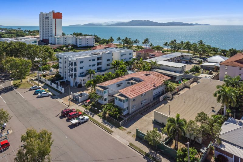 Waterfront property with modern holiday units and development potential