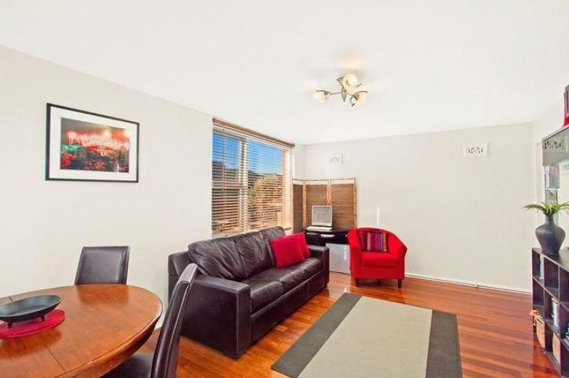 Ground Floor Apartment Footsteps from Dee Why Beach