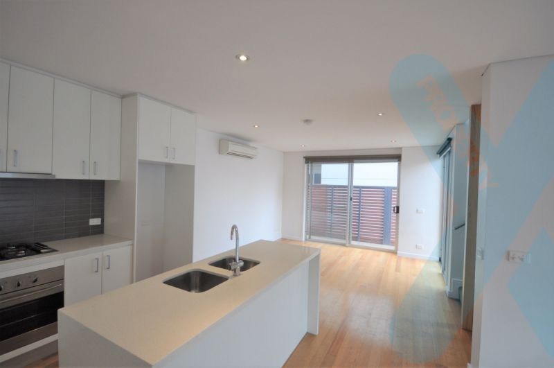 Three Bedroom Townhouse with Carpark!