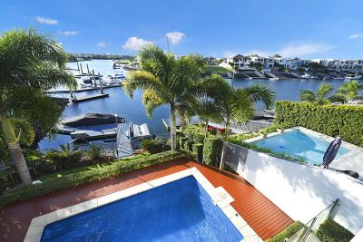 Waterfront Design, Quality Construction and Immaculate Presentation