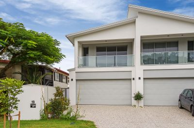 Large, High Quality Villa in One of Biggera Waters' Finest Streets!