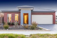 Combining Modern Style and Low Maintenance Living