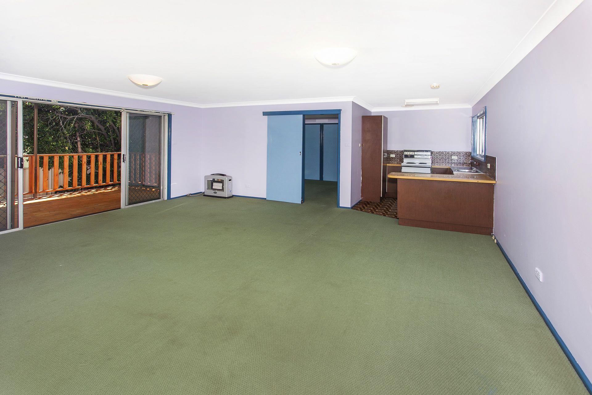 15 Gaynor Avenue, Mount Ousley NSW