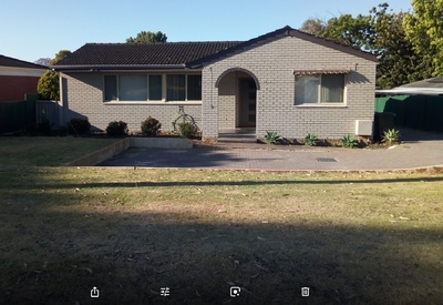 Lovely Renovated home 3 x 1 with long term tenant at $290pw