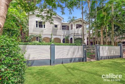 Hidden Oasis - Perfect Pool - Beautiful Character Home - Pool and Garden Maintenance Included