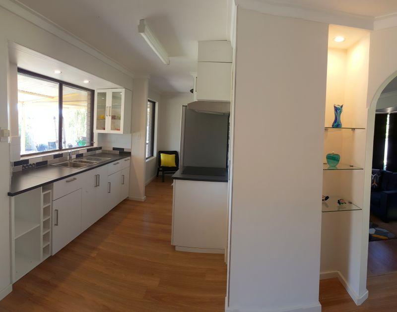 For Sale By Owner: 38 Jacaranda Cres, Withers, WA 6230