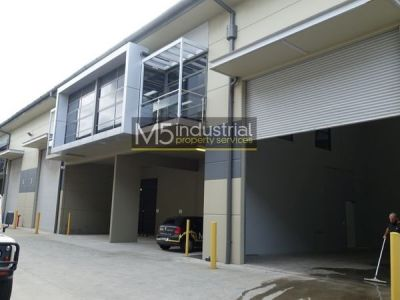 368sqm - Modern High Clearance Warehouse & Office