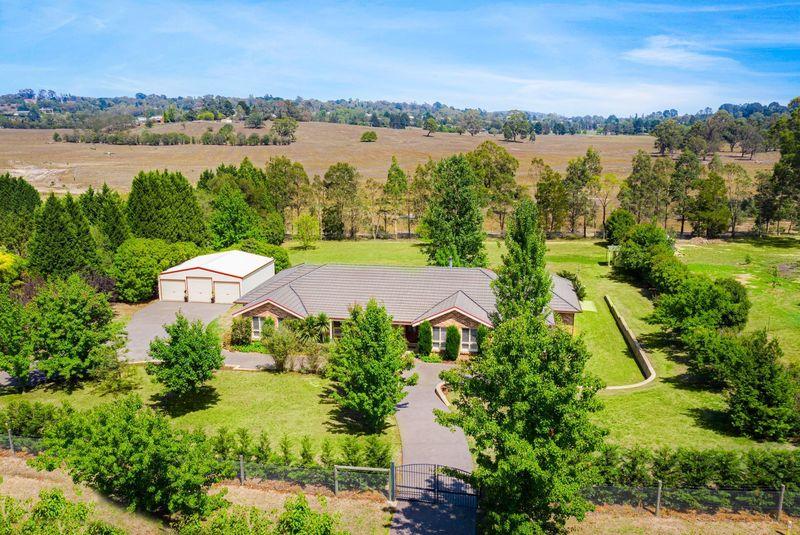 Large Home, Large Block, Rural Views