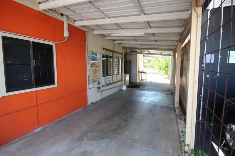 Freestanding commercial building on Charters Towers Road
