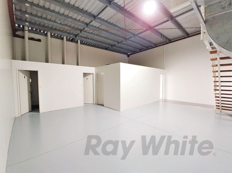 For Lease: 159sqm* CLEAN PROFESSIONAL OFFICE WITH STORAGE