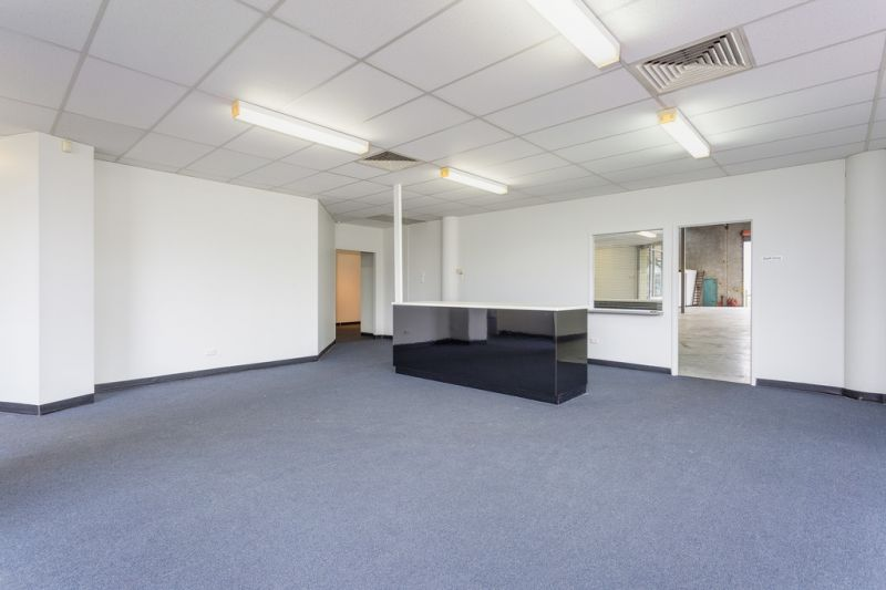 Refurbished Unit in Central Location with Great Exposure