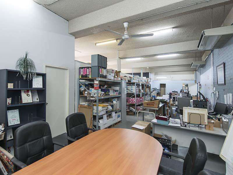 OFFICE / WAREHOUSE FOR LEASE IN OSBORNE PARK