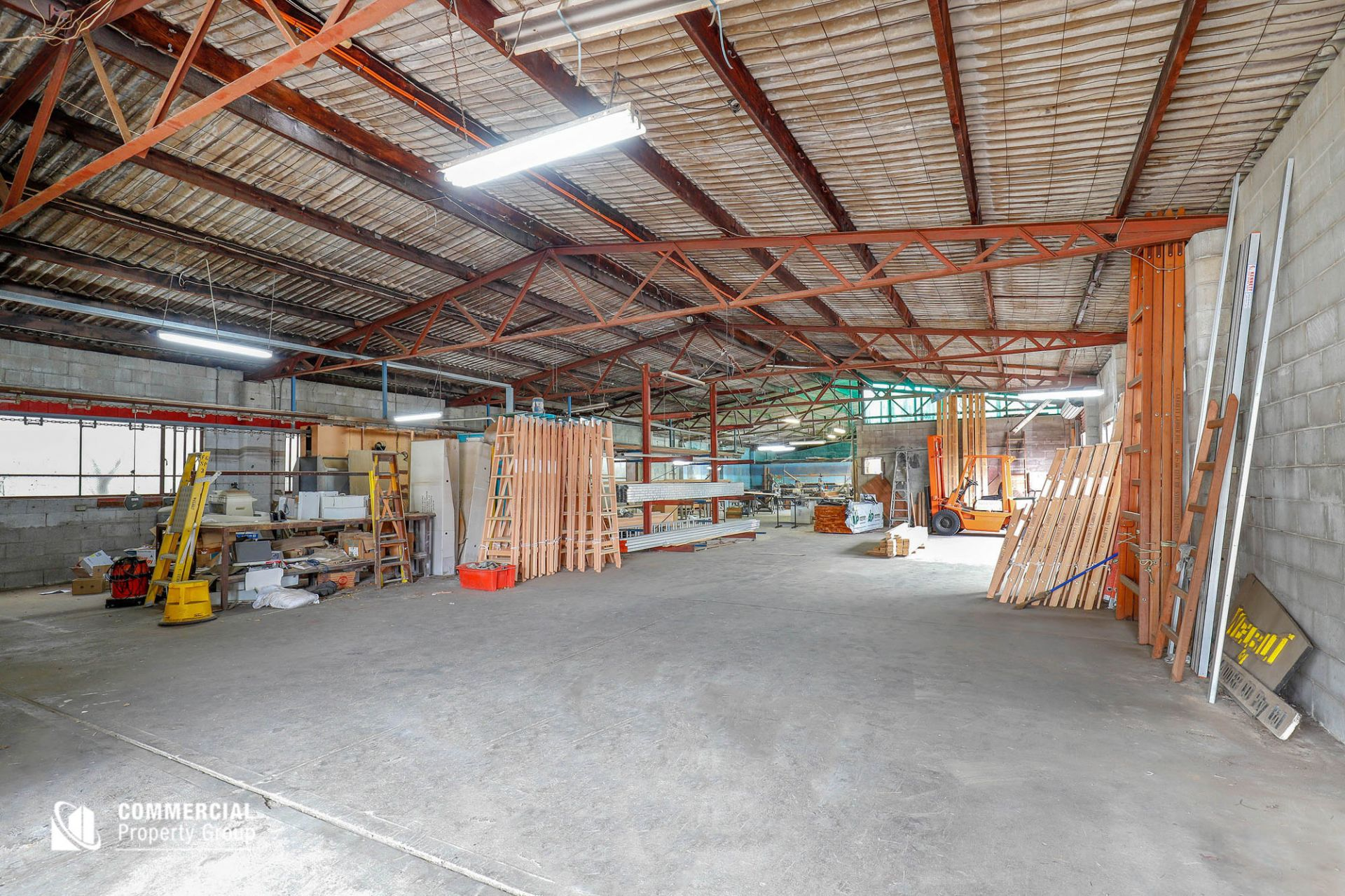 SOLD BY MARIO EL-BOUSTANI - AFFORDABLE FREESTANDING BUILDING - 913M² SITE