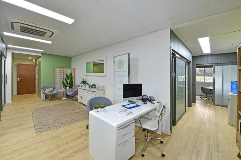 Professional Offices With Quality Fit Out