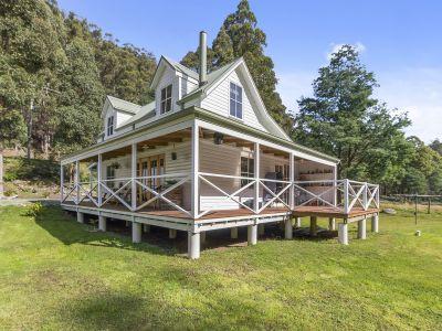 Gorgeous Riverside Cottage