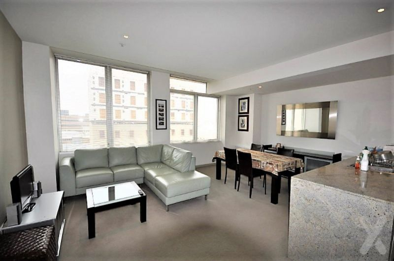 King Size On King Street! One Bedroom Furnished.