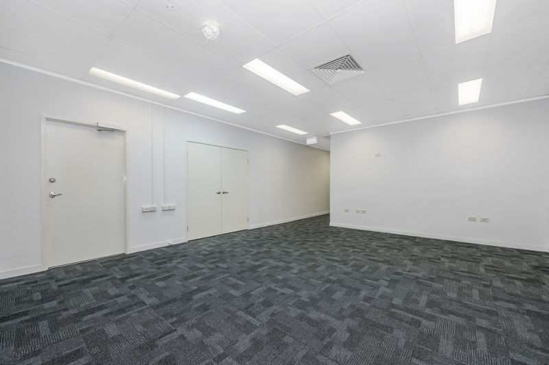 Fully refurbished professional office tenancy