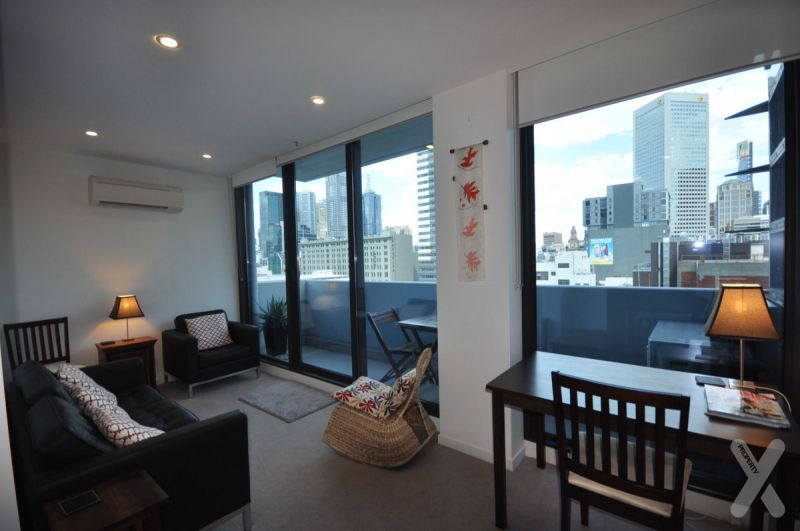 Spacious 2 bedroom with bright cbd views!