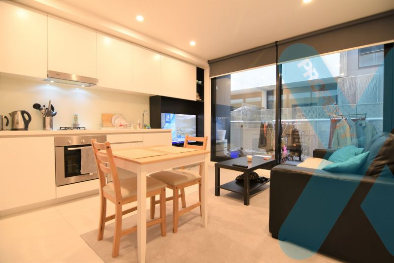 Unfurnished One Bedroom with Carpark!