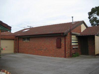 NIce & Cosy Brick Veneer Unit