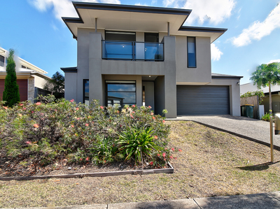 Family Home in Mansfield High Catchment- 3 Living Areas