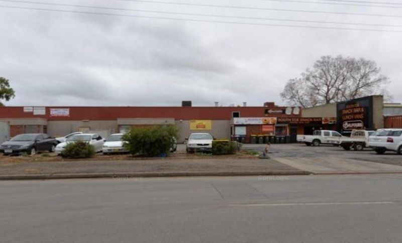 FREEHOLD COMMERCIAL UNIT IDEAL OWNER-OCCUPIER / STORAGE / FOOD RELATED BUSINESS