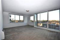 City Condos, 10th floor - Modern Splendour! L/B