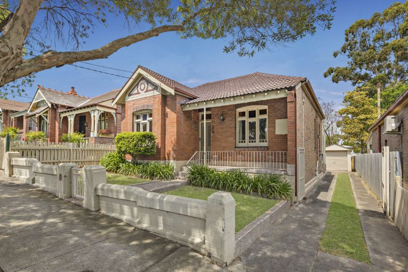 Charming Double Fronted Home In Popular Locale