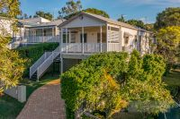 STUNNING FAMILY HOME IN NORMAN PARK