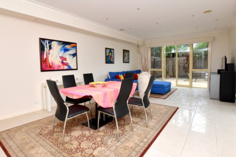 FIRST CLASS TENANT WANTED! This Double Storey Three Bedroom and Two Bathroom Home is Waiting for You!