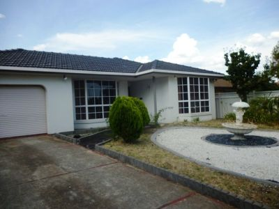 Beautifully presented family Home !