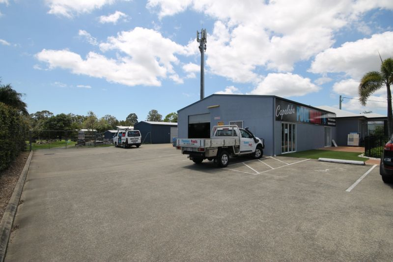 Multi-Use Site with Showroom & Shed and Ample Parking/Hardstand