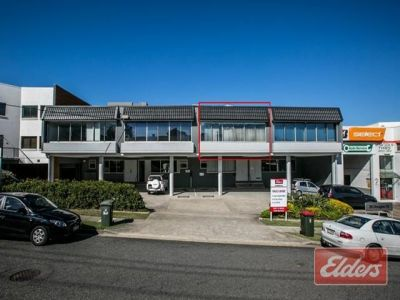 HIGH END FITTED OUT 169M2 OFFICE WITH 3 CARS!!!