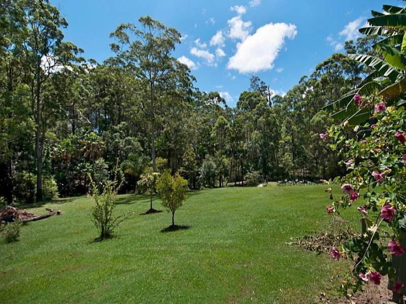 15 Vines Court, Tinbeerwah QLD 4563