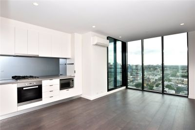 Platinum:Two Bedroom Apartment on Level 19 with All the Luxuries!
