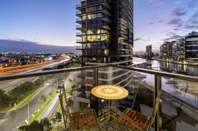 Yarra's Edge Excellence with Harbour Vistas!