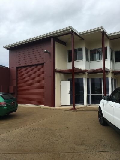 INDUSTRIAL WAREHOUSE WITH SHOWROOM AND MEZZ OFFICE IN WARANA