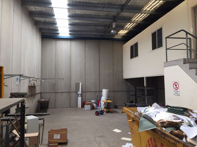 Good Quality Warehouse   Very Practical Size