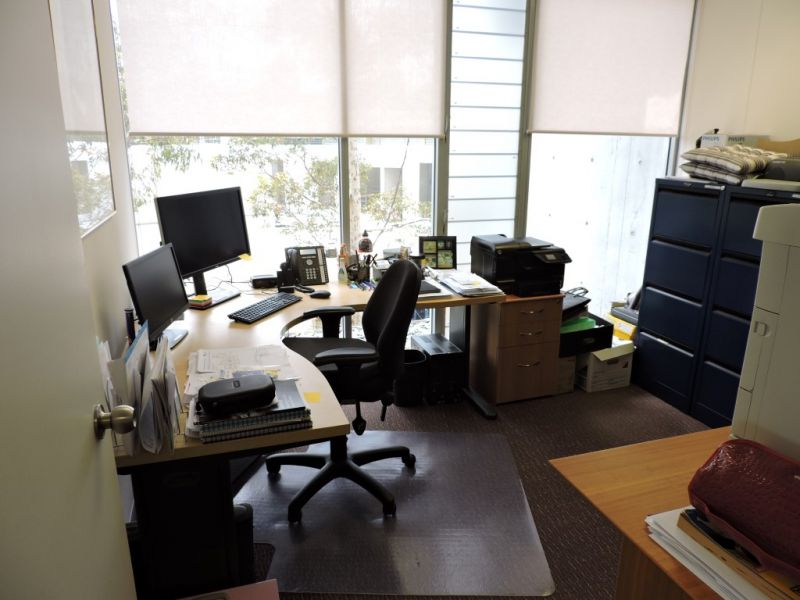 MODERN DESIGN OFFICE SUITE