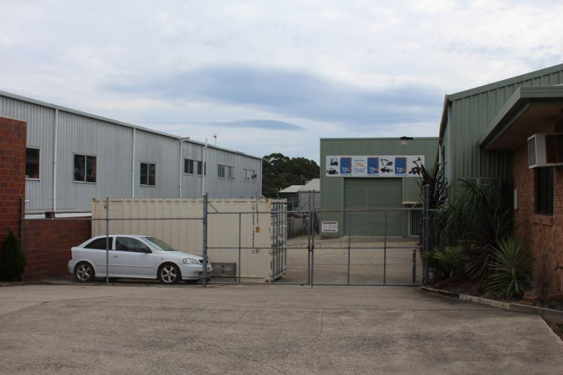 Clean & Tidy High Clearance Warehouse | For Lease