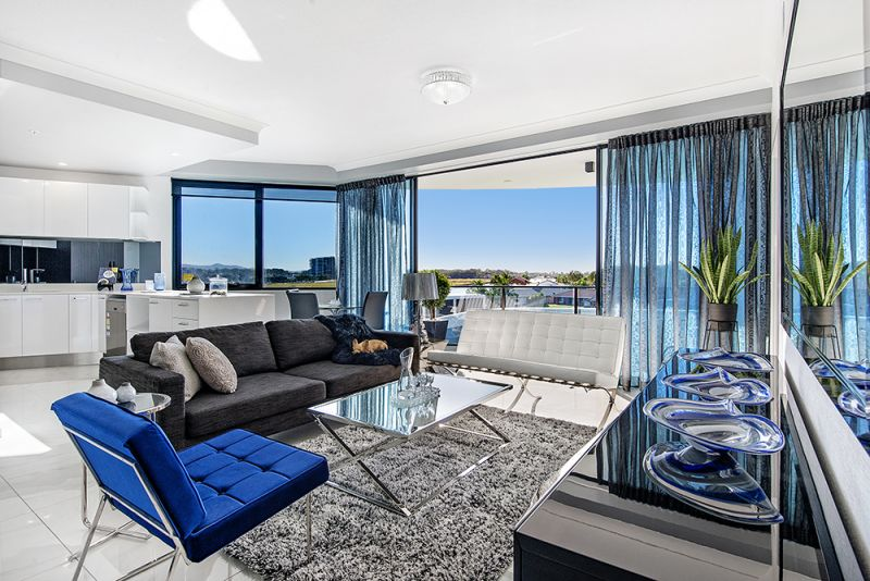 5 'WaterPoint' Harbour Side Court, Biggera Waters