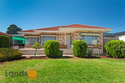 A Beautiful Triple Fronted Basket Range Home